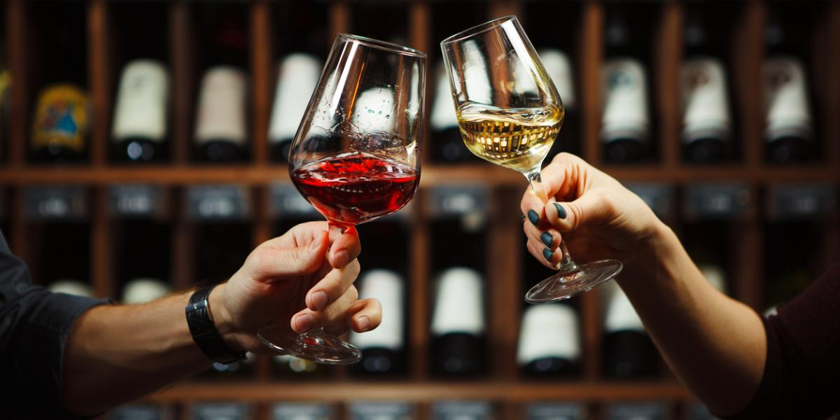 How much wine to pour in a glass | Wine service etiquette | Rainstorm Wines